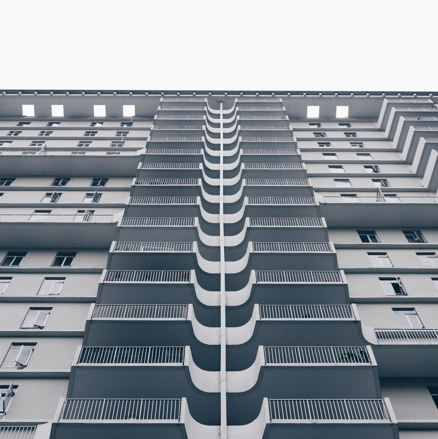 Analysis of architecture in photography