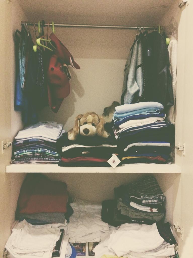 VSCO - Stacked    #Wardrobe #Clothes #StuffedDog | vivkeys