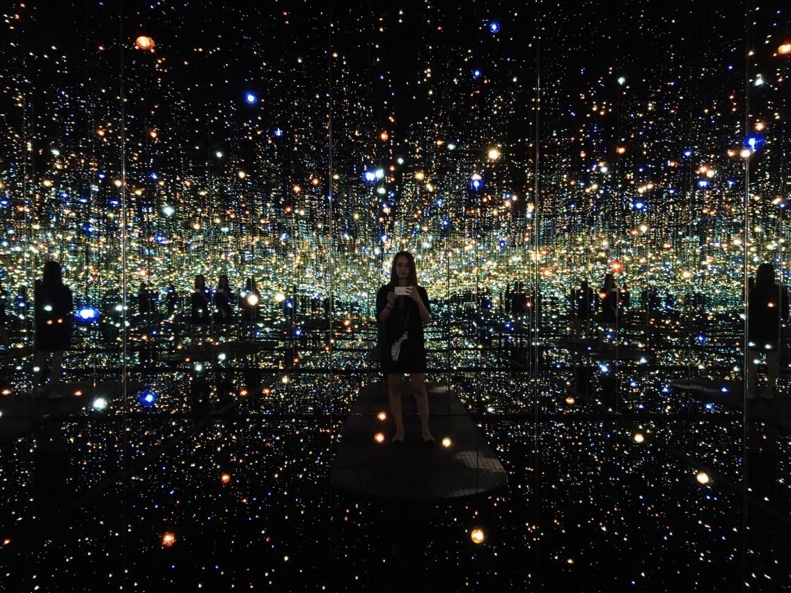 Yayoi Kusama Infinity Mirrored Room The Souls Of Millions Of